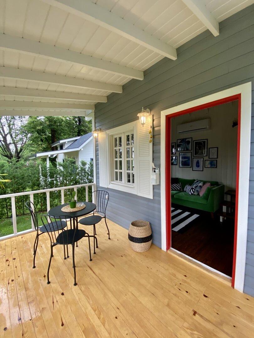 Tiny House Red Door